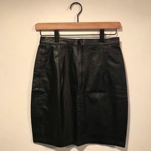 VINTAGE Black Leather Mini High-Waisted Skirt 🖤